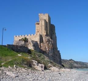 Castello Federiciano - Roseto Capo Spulico